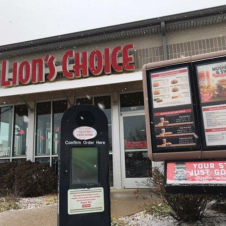 Sullivan, MO: Lion's Choice