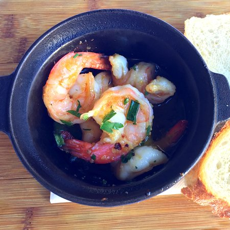 Abbotsford, Australien: What's hot this summer? 🌞 🍤🍤Gamberi all'Olio hot pots with Chilli & Garlic... 🌞 🍤🍤🌞