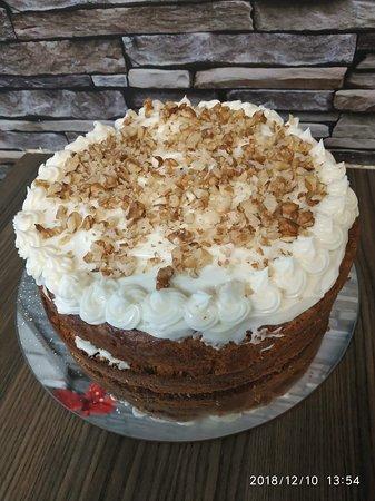 Diamond Cafe : Homemade carrot cake
