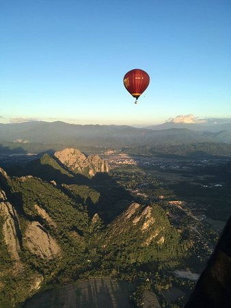Above Laos Ballooning Adventures