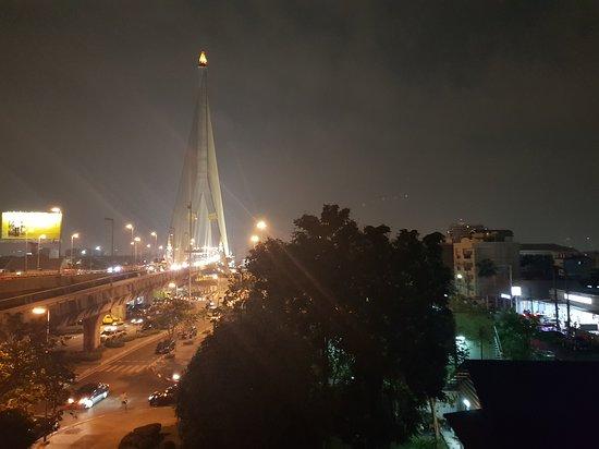 Widok na most Ramy VIII