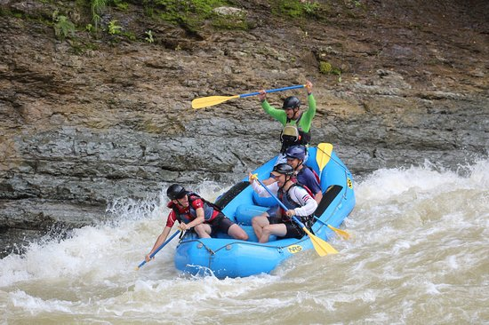 Rafting Savegre River