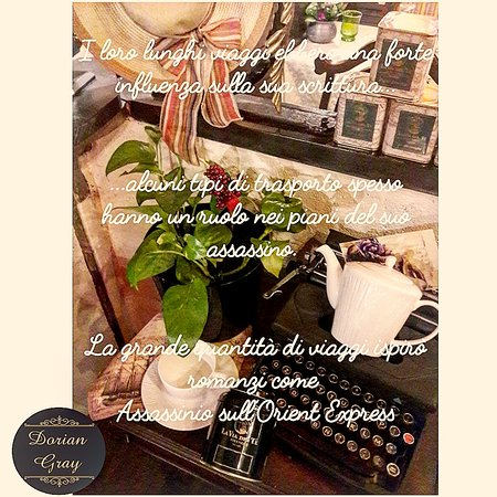 Dorian Gray Restaurant Bistrot  L'arredo richiama i viaggiatori e i viaggi raccontati dai grandi scrittori del secolo scorso, trasportando l'avventore in un'esperienza ai confini del tempo
