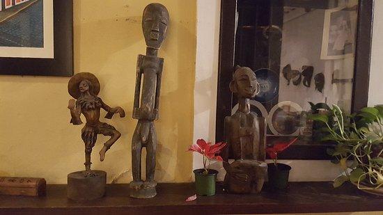 Сувениры из местной лавочки