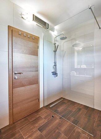 Entrance - Picture of Apartmani Buric, Dreznicko Seliste - Tripadvisor