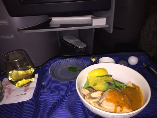 United Airlines: Business Class seat ...... First Class meal !