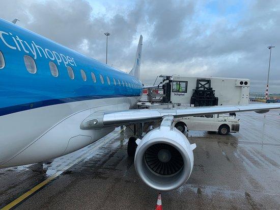 الخطوط الجوية الملكية الهولندية كيه إل إم: Embraer 175 
