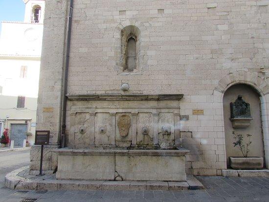 Fontana del Cardinal del Monte