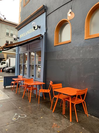 La Boulangerie: Outside tables
