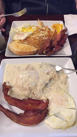 Sweet Home, OR: Biscuits & gravy, eggs, bacon & hash browns