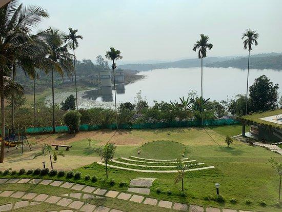 Best honeymoon resort in Wayanad