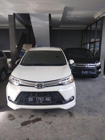 Kerobokan, Indonésie : Bali mutia car rental hire car in bali sewa mobil lepas kunci