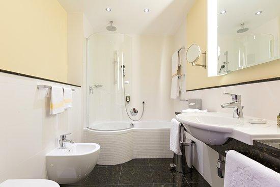 Hotel Kaiserhof Wien: Business Zimmer   Badezimmer - KAISERHOF WIEN