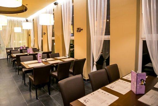 VakVarju Restaurant Ujlipot: Interior of the restaurant