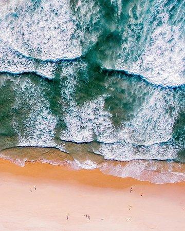 La belle plage de Costa Nova à Aveiro au Portugal.