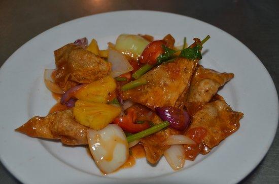 Kim Dy Restaurant: Sweet & sour chicken