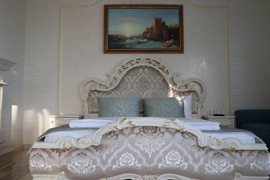 Hotel Excelsior: Семейный люкс (мраморная комната).
