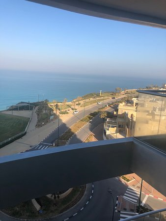 Ramada Hotel & Suites by Wyndham Netanya: View from the room with the windows open