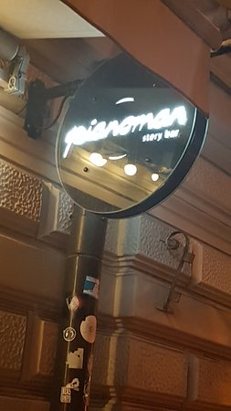 Piano Man Story bar : Outside Bar.