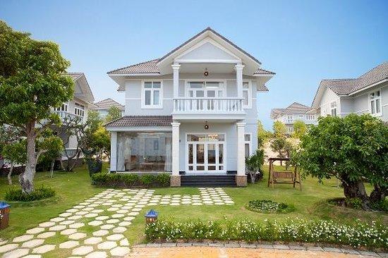 """Mui Ne, Vietnam: chuyên cho thuê villa sealinks Mũi Né nguyên căn ' 3 phòng ngủ """" khi bạn cần cứ lien hệ nhé , mình cho thuê ngày hay thuê tháng và thuê năm đều được hết  liên hệ : 0982993205 Tony"""