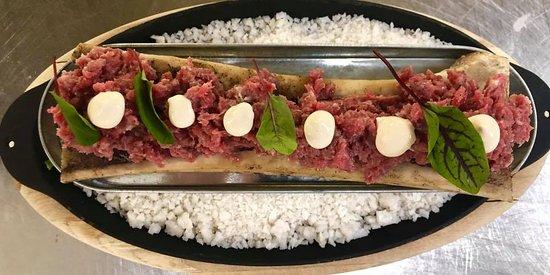 Steak tartar con tuétano