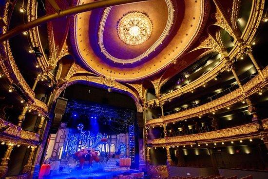 Campos Elíseos Theatre