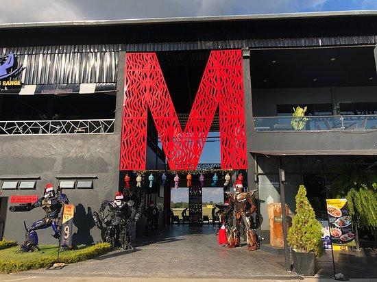 Сан-Кампхенг, Таиланд: M Sport Complex