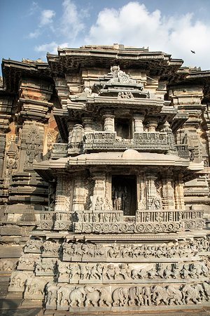 Outer wall carving - Chennakeshava