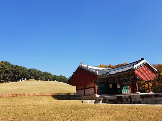 Yungneung and Geolleung Royal Tombs