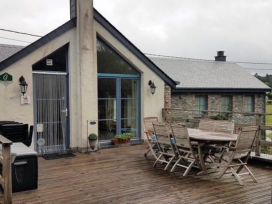 Luxembourg Province, Bélgica: Terrasse gîte Myosotis Royal Blue côté sud
