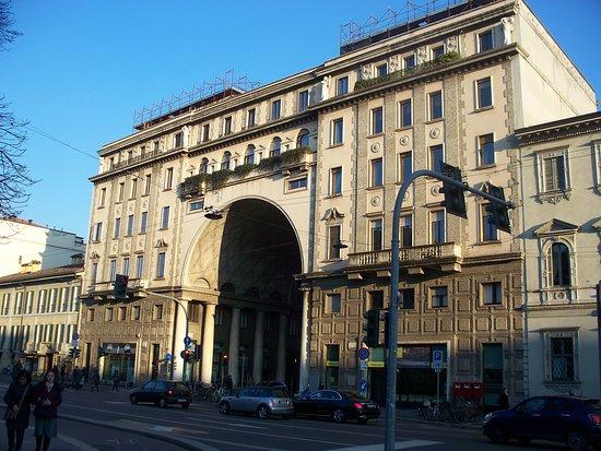 Palazzo della Societa Buonarroti-Carpaccio-Giotto