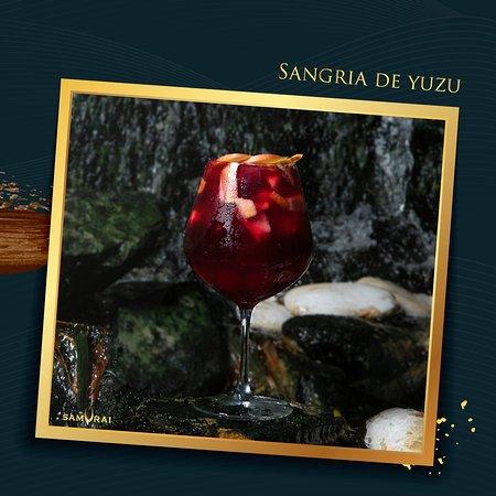 Acompaña tu comida con una copa de Sangría de Yuzu Tinto. El yuzu es un cítrico que crece en Asia Oriental, tiene un sabor parecido al de la toronja o pomelo.