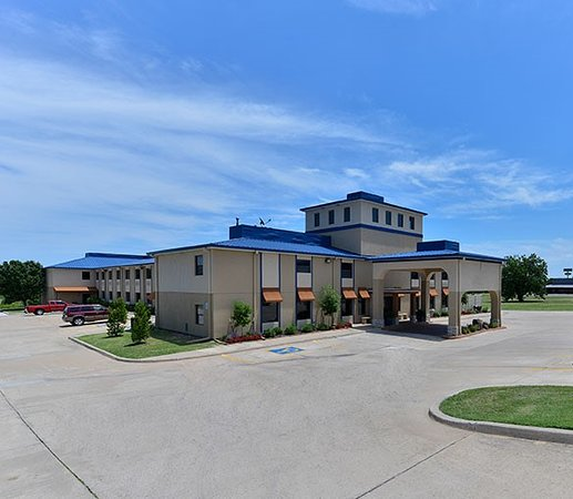 Cobblestone Park Apartments: BOARDERS INN & SUITES BY COBBLESTONE HOTELS