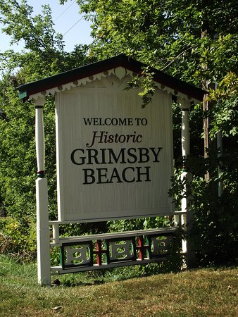 CANADA - GRIMSBY - THE PAINTED LADIES #3 - SIGN FOR GRIMSBY BEACH