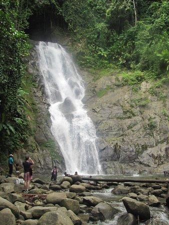 Lae, Папуа – Новая Гвинея: A trip to Bula waterfall (Busama)