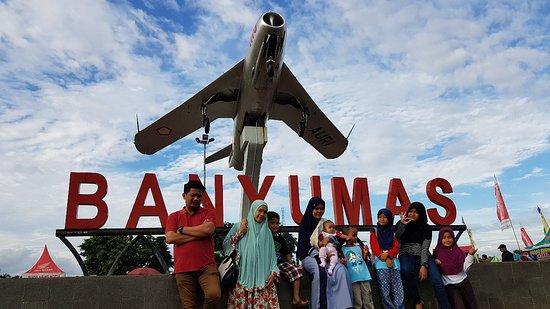 Monumen Pesawat terbang