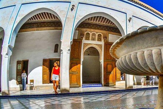 馬拉喀什指導有導遊的城市旅遊,紀念碑和麥地那塔