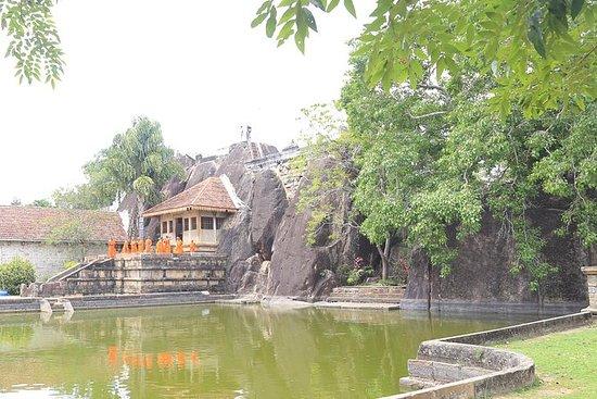 Isurumuniya-Tempelführung