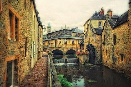 Visite de Bayeux, village de Honfleur...