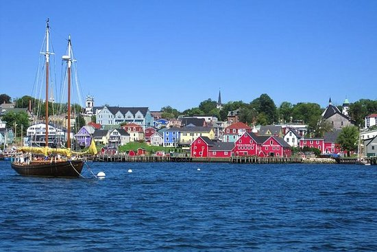 Lunenburg Hike and Town Tour