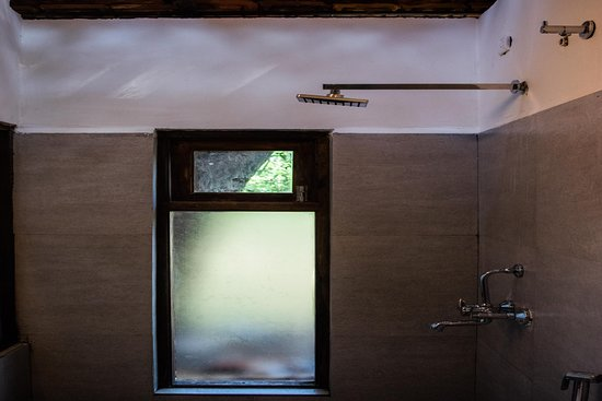 Beyond Nomad: Double Room washroom