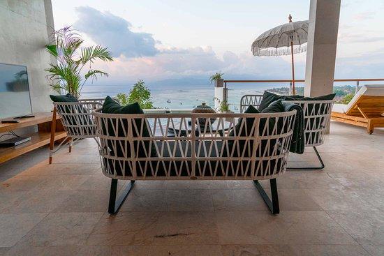 Balcony - Picture of Aqua Nusa - Boutique Lembongan Villas, Nusa Lembongan - Tripadvisor