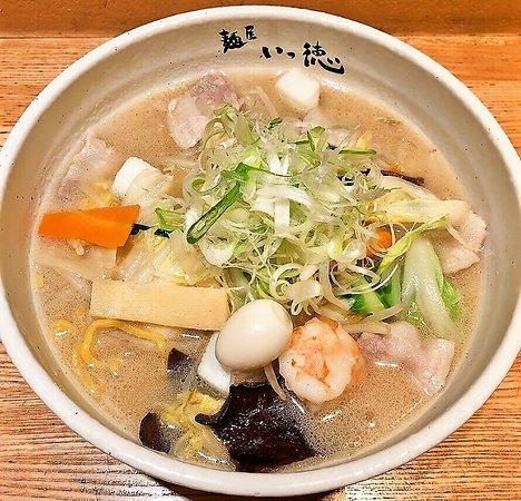 五目塩野菜タンメン 880円