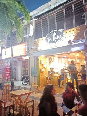 Teakadai Cafe: We still in d road penang little india street.. Tea masala nice to try