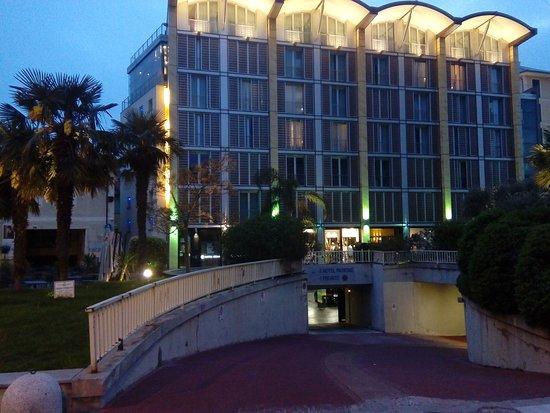 Rossini al Teatro: Garage Accesso