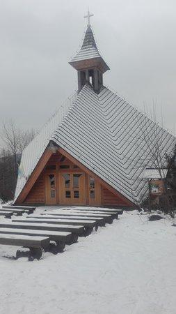 Bielsko-Biala, Lengyelország: Kapliczka na szczycie Dębowca