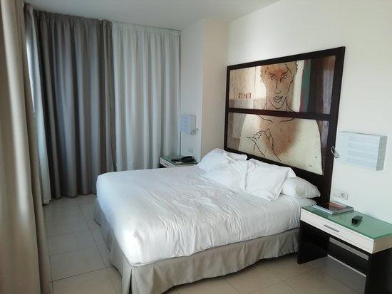 H10 Estepona Palace: Bed kamer