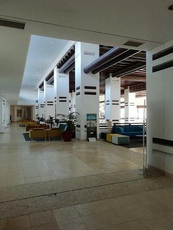 H10 Estepona Palace: Lobby