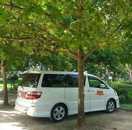 Zanzi Taxi and Tours