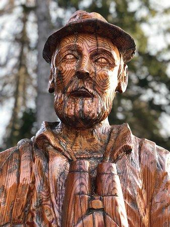 Ruffre-Mendola, Italia: Il guardiano del bosco 🌲🌳🌲